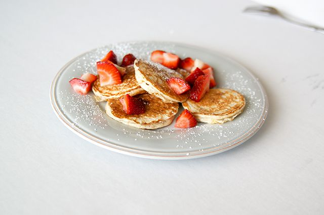 Butter, with a side of Bread // Easy family recipes and reviews.: THE BIGGEST LOSER PANCAKES