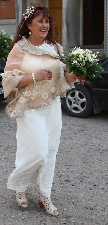 Luxury and very unique felted #wedding scarf wrap by Nadin Smo design. Pure…