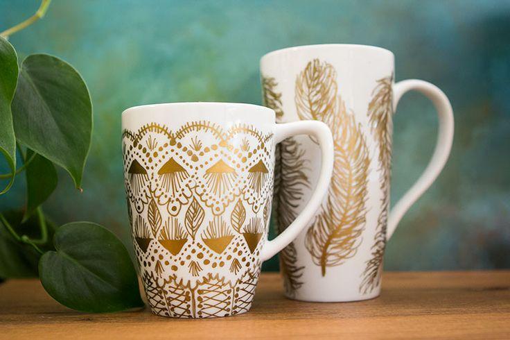 gold-painted-mugs-DIY