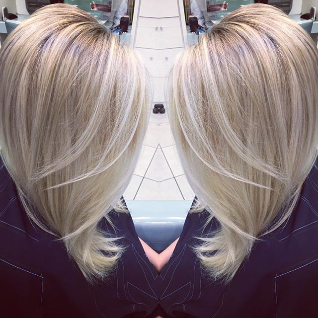 #schwarzkopf #schwarzkopfprofessional #olaplex #haircolour #blonde #platinumblonde #highlights #blowout #bouncyhair @sa.m22 always a fun time!!