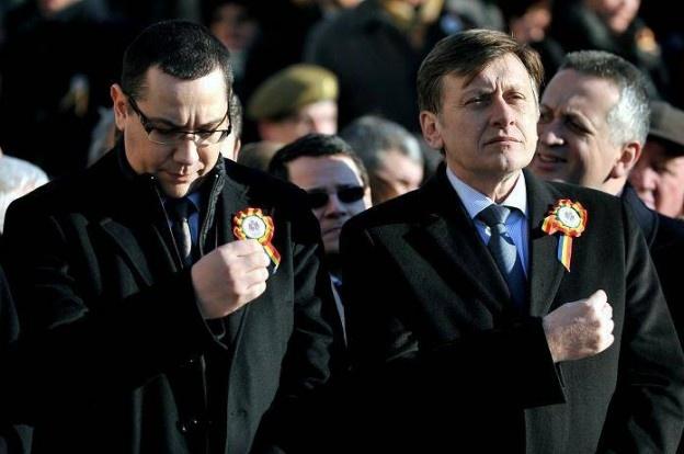 Crin Antonescu a ajuns pe 23 ianuarie la Iași, alături de ministrul Relu Fenechiu de la Transporturi și Varujan Vosganian de la Economie. Împreună cu membrii PNL Iași, vor fi prezenți în Piața Unirii la evenimentele dedicate Zilei Unirii Principatelor Române.