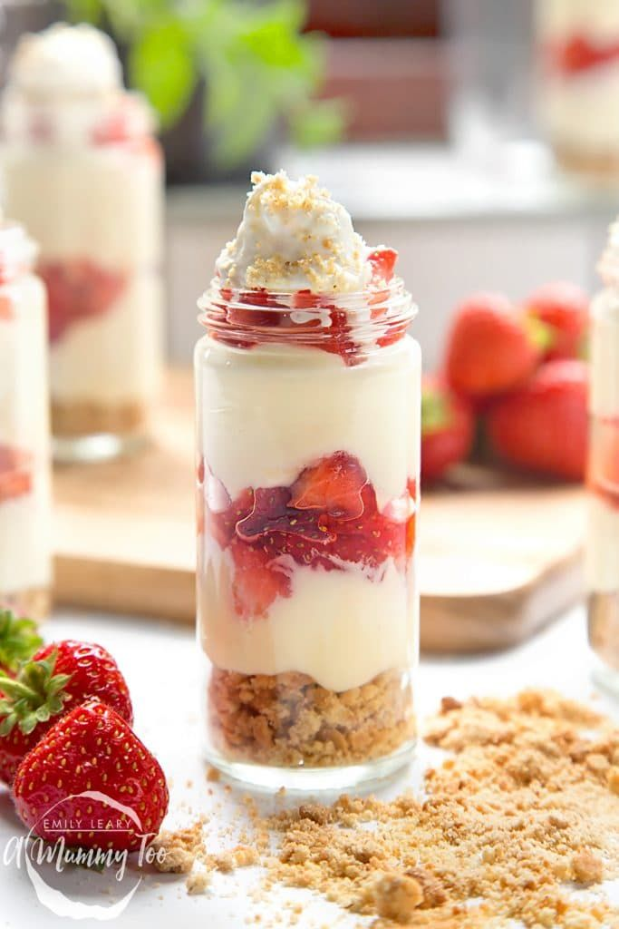 Strawberry no-bake cheesecake shots - A Mummy Too