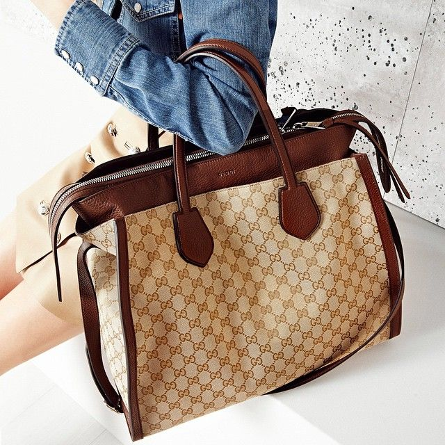 "Gucci's ""Ramble"" large tote bag  -reversible leather and monogram GG canvas"