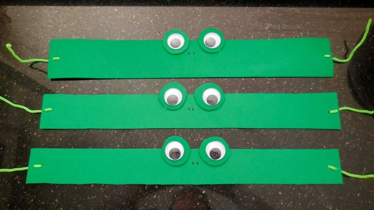 Frog headband - These would be great to give to all of your little frogs in your frog theme classroom!