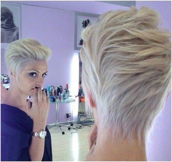 15 splendide acconciature per capelli corti
