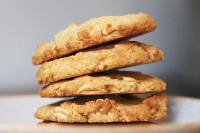 Looking for a peanut butter cookie recipe that uses all natural peanut butter? Try our Peanut Butter-Oatmeal Cookies.  Since these easy-to-make cookies are made with whole wheat flour and non-hydrogenated margarine in addition to the all natural peanut butter, you can feel good about serving them to your friends and family.