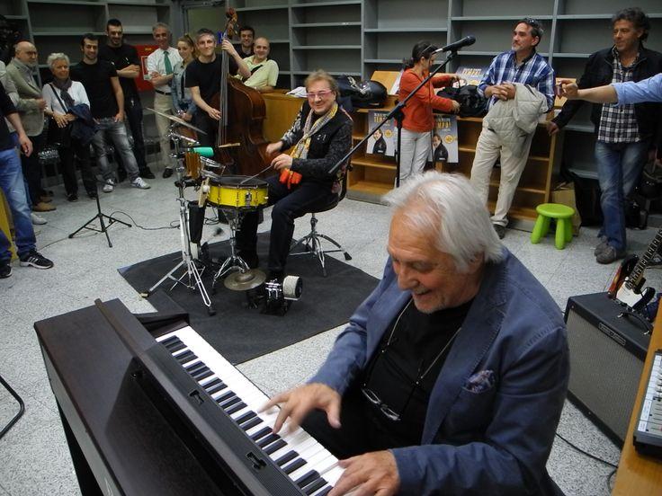 Seconda tappa Milano. Giovedì 15 maggio in Libreria Hoepli con grandi musicisti ospiti #tulliotour