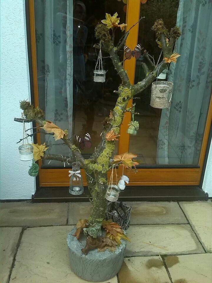 Baum zum dekorieren aus ast