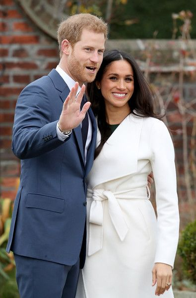 Meghan Markle Photos - Prince Harry and actress Meghan Markle during an official photocall to announce their engagement at The Sunken Gardens at Kensington Palace on November 27, 2017 in London, England.  Prince Harry and Meghan Markle have been a couple officially since November 2016 and are due to marry in Spring 2018. - Announcement Of Prince Harry's Engagement To Meghan Markle