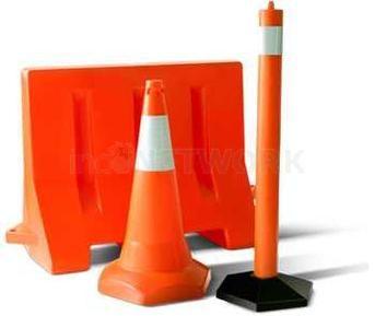 ` Water Road Barrier / Pembatas Jalan Isi Air – Bahan Fiber. PEMBATAS JALAN, PRODUK KEAMANAN DI JALAN, SAFETY ROAD.