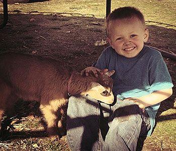 Τα πιτσιρίκια έχουν μία ιδιαίτερη σχέση με τα ζώα...με όλα τα ζώα! Δείτε 14 φωτογραφίες που αποδεικνύουν ότι τα παιδιά δεν βάζουν τίποτα πάνω από τους μικρούς τους φίλους.