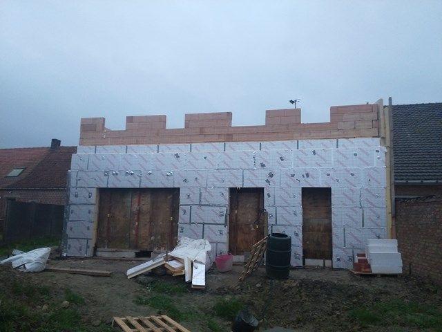 Isoleren op z'n best: 360 m² vloerisolatie en 500 m² muurisolatie.