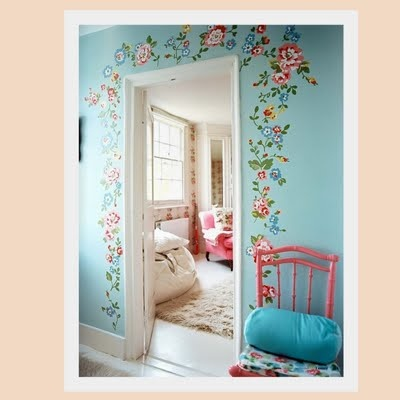 A little special detail in any room...stencil around frame, great idea (not these colors though)