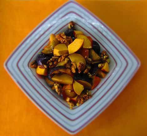 Φρουτοσαλάτα με βανίλιες, δαμάσκηνα και νεκταρίνια - Οι συνταγές της Άννας