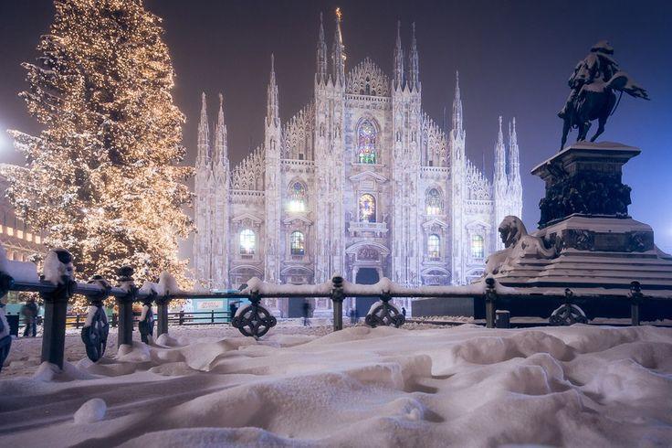 Миланский собор после снегопада, Италия