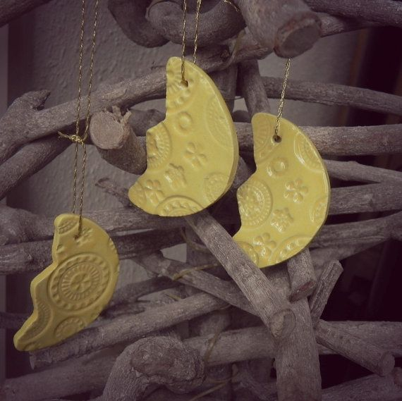 Yellow Ceramic Christmas Ornaments Summer Decoration Moon Lace