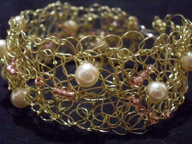 Le cose di Mirtilla : bracciale in filo d'ottone lavorato a crochet