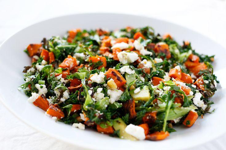 Ovnsbakt søtpotet; er det det beste som finnes?! Jeg tror kanskje det. Bakt søtpotet smaker ihvertfall veldig, veldig godt. Her blander vi med grønnkål og andre godsaker, og ender opp med en lun salat. Altså en salat som er delvis varmebehandlet, ikke helt kald som vanlig salat. Full av sunne godsaker fra grønnsakene 🙂 Jeg ...read more →