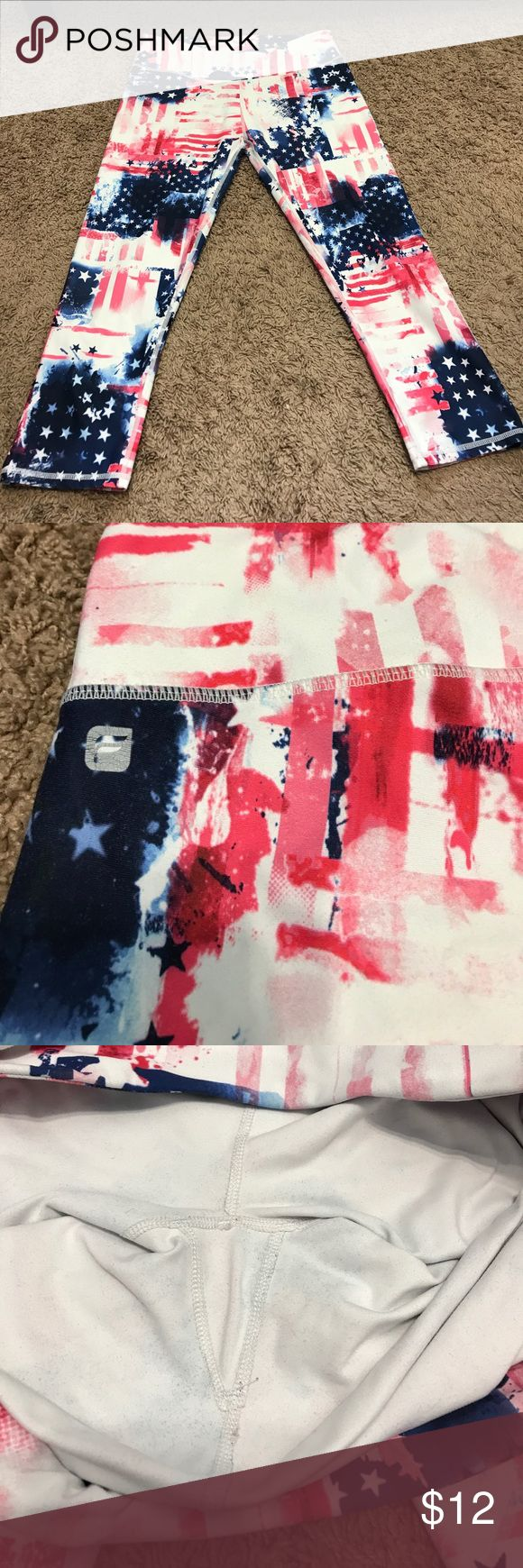 Crop Fabletics Leggings, American Flag Print Open to Offers! These are great for any fun occasion! They are very comfortable and have a little pocket in the waistband for keys or cards. Fabletics logo in back is a little cracked but other than that no stains or pulls! Fabletics Pants Ankle & Cropped