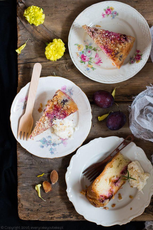 ciasto ucierane ze śliwkami i płatkami owsianymi, plum and oatmeal upside-down cake #śliwki #plum #ciasto #cake #upside-down