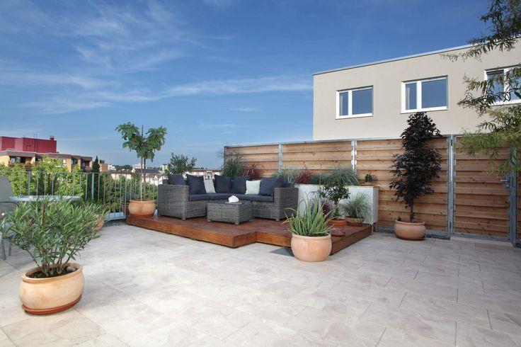 25 parasta ideaa pinterestiss terrassenplatten terassenplatten bodenbelag terrasse ja. Black Bedroom Furniture Sets. Home Design Ideas