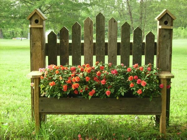 birdhouse benches planter box :) just another project for Donald :)). We have the bench, we just need the flowers :))