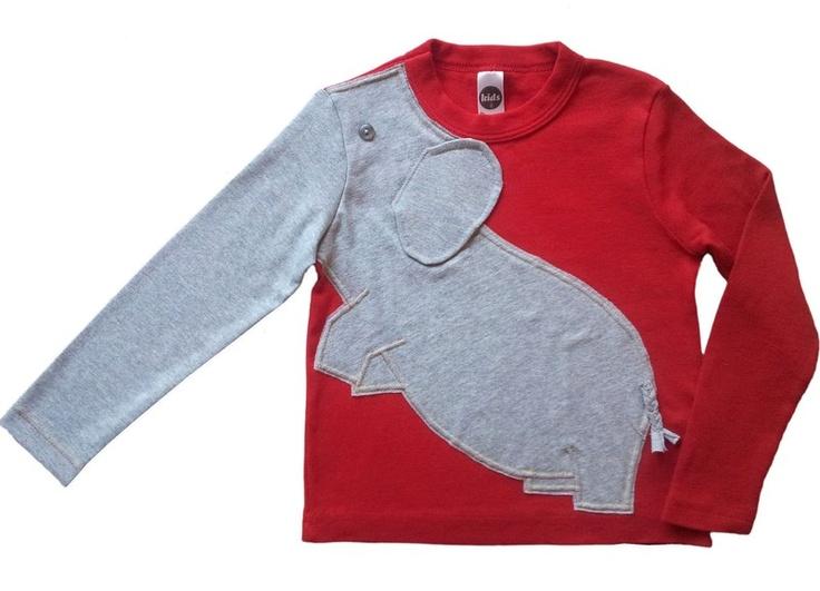 Dieses Hemd sieht nicht nur richtig toll aus, sondern es macht auch noch Spaß zu tragen!  Das Kind kann den Rüssel heben, senken oder mal was greifen