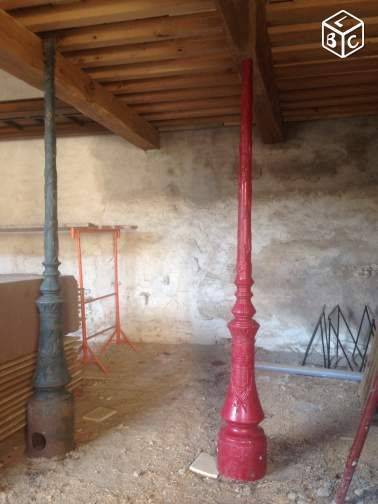 Pilier poteau fonte pied lampadaire A utiliser en pied de lampadaire ou pilier de soutien balcon, etage, ou décoration Prix 1200€
