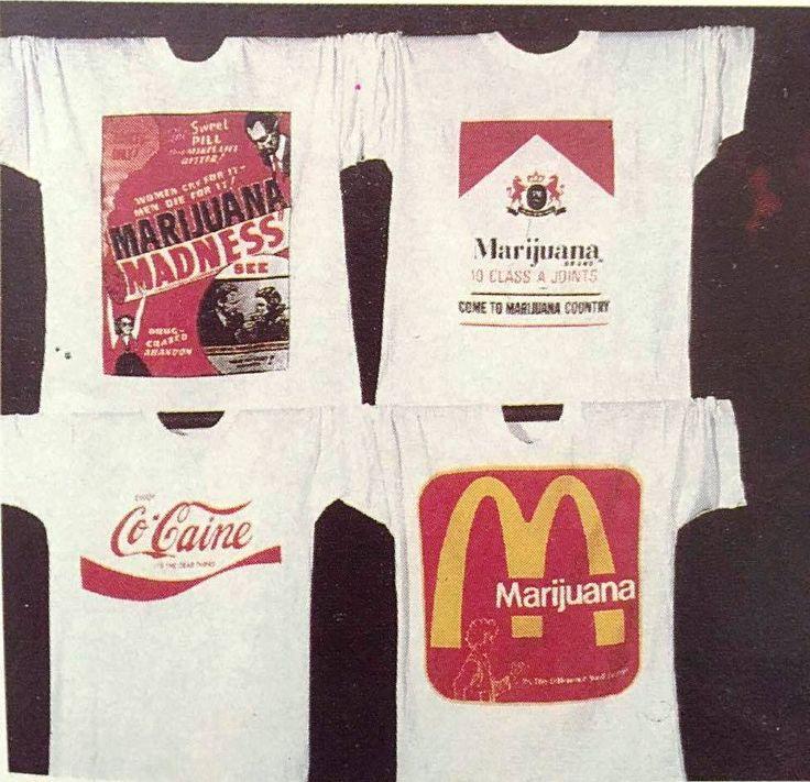Το εσώρουχο που έγινε το πιο διάσημο καθημερινό ρούχο. Το T- shirt έγινε σύμβολο των ροκ συγκροτημάτων, χρησιμοποιήθηκε από πολιτικούς και ακτιβιστές για να περάσουν συνθήματα και οι διαφημιστές έκαναν τρελές δουλειές ...   Διαβάστε όλο το άρθρο: http://www.mixanitouxronou.gr/to-esoroucho-pou-egine-to-pio-diasimo-kathimerino-roucho-to-t-shirt-egine-simvolo-ton-rok-sigkrotimaton-chrisimopiithike-apo-politikous-ke-aktivistes-gia-na-perasoun-sinthimata-ke-i-diafimistes-ek/