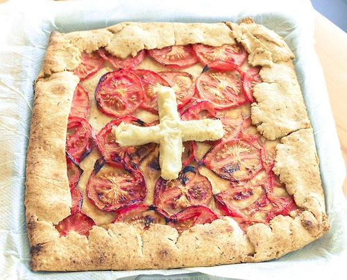 For Swiss National Day I baked a Rosemary Tomato Galette with Pine Nut Ricotta for the occasion (inspired by the Swiss flag). It was very yummy and very rich.