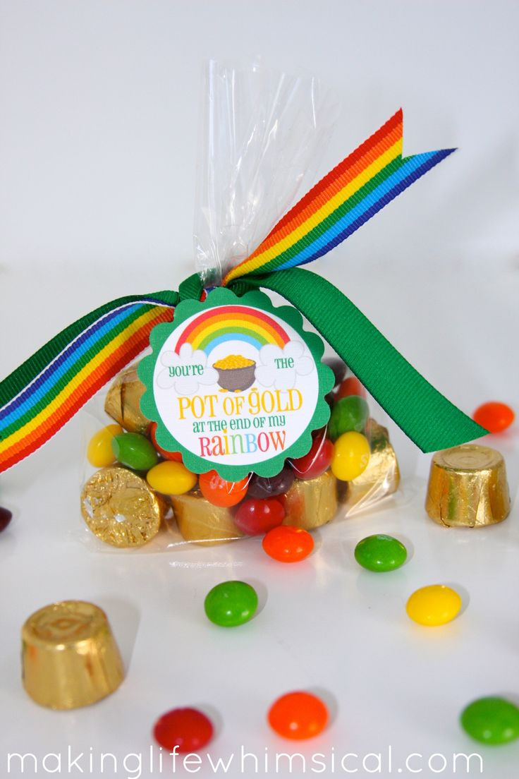 Cute class {or friend, neighbor, music teacher, babysitter, etc.} idea for St. Patrick's Day from Making Life Whimsical.