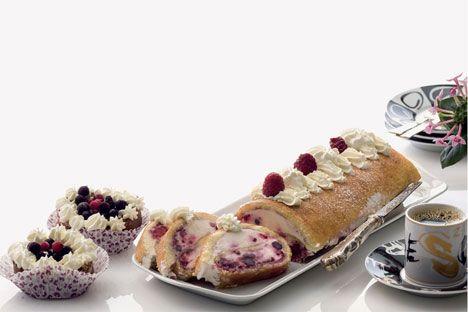 Opskrift på Roulade med bær og flødeskum fra - Hjemmet