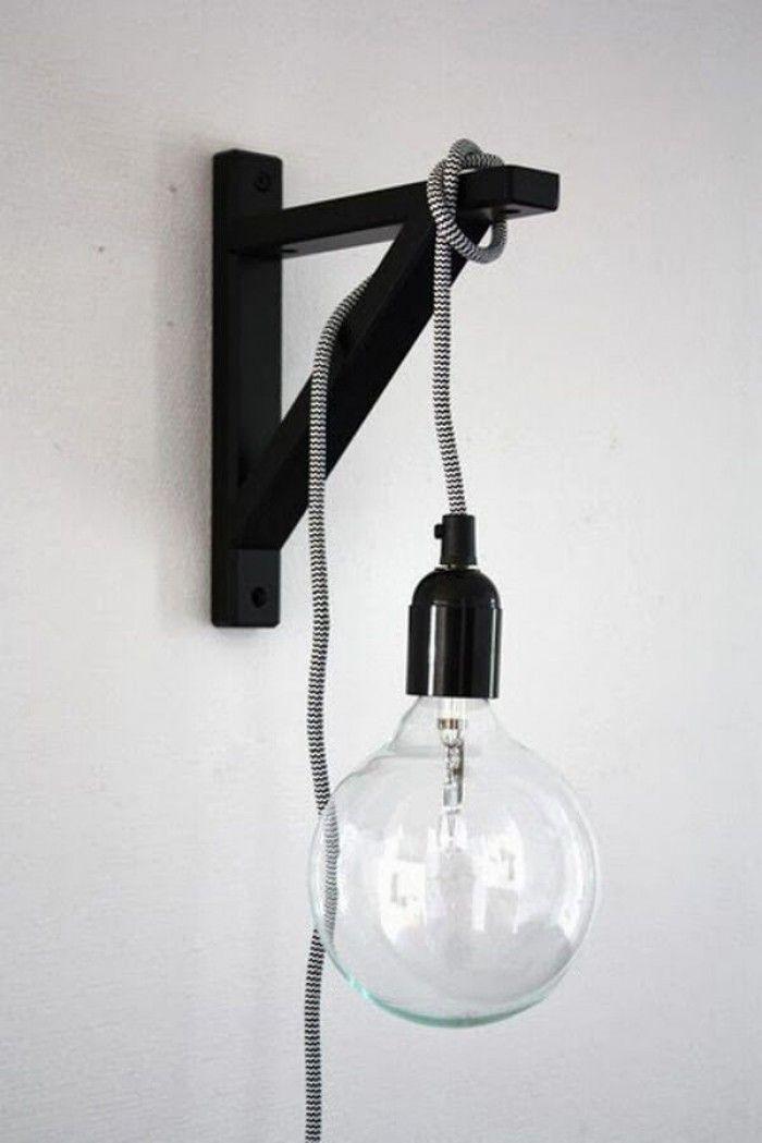 Maak van een kabel hanglamp een leuke wandlamp. Bevestig een steun aan de muur en hang de lamp over de steun. Past in een modern of Scandinavisch interieur.