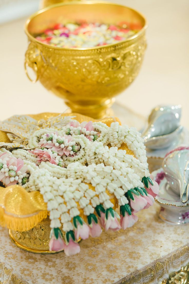 Thai wedding งานแต่งแบบไทย สีชมพู พีช และ งานเลี้ยงค่ำ ธีม Rustic Garden สวน ดอกซากุระ เพิ่มความหอมหวานด้วย ของชำร่วย น้ำตาลกรวด | อ่านต่อ sodazzling.com | sodazzling.com | #thai_wedding_ceremony