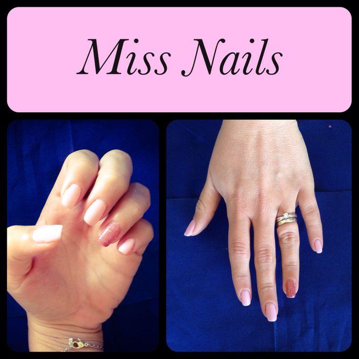 Pink&Glitter Nail