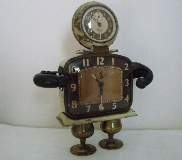 Junkbotworld.com -Handcrafted Robots FOR SALE - VINTAGE ANTIQUE CLOCKS