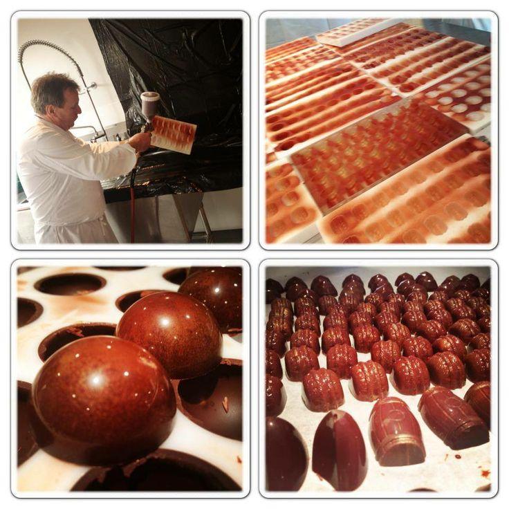 LaBKRY chocolate art!! :) #chocolate #bonbon #mold www.facebook.com/labkry Natasha Bouchard
