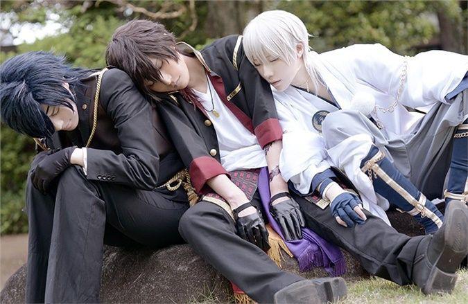 kuryu Tsurumaru Kuninaga, Shokudaikiri Mitsutada Cosplay Photo