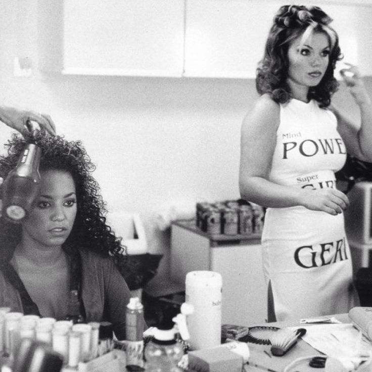 """""""Mel B and Geri on the set of Spiceworld: The Movie 18 years ago today on July 7th, 1997! Photographed by Dean Freeman ✌️ #spicegirls #Spiceworld…"""""""