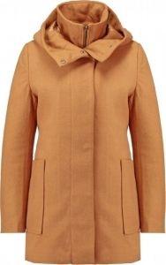 De winter wordt een makkie met deze heerlijke warme jas van KIOMI. Deze jas is extra praktisch, want hij heeft een capuchon. Kun je toch nog een beetje genieten van de sneeuw zonder dat je hele gezicht onder zit ;) Koop deze jas snel op aldoor met 30% korting!! Niet geheel onbelangrijk, deze jas is ook verkrijgbaar in een donkerblauwe kleur! #uitverkoop #damesmode #winterjassen #jassen #damesjassen #sale #korting #aldoor