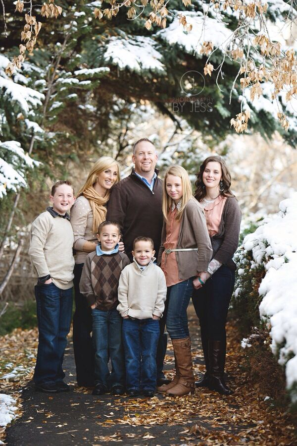 Not my photo. Very subtle and soft color pallet of neutrals. Vary the shades and the tones, Make sure nothing clashes. Remember to layer and accessorize with winter things like scares, boots, mittens, etc. ~winter family photo~