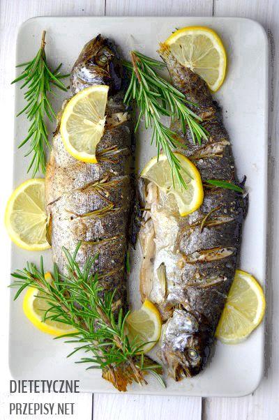 Ryby to bardzo ważny element zdrowej diety. Dzisiaj proponuję Wam przepis na zdrowego i niskokalorycznego pstrąga z piekarnika. Rybka przygotowana według moich wskazówek jest naprawdę aromatyczna i…