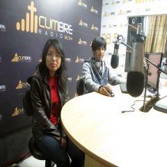en Radio cumbre por los 98.5  FM  de lunes a viernes de 11 a 1