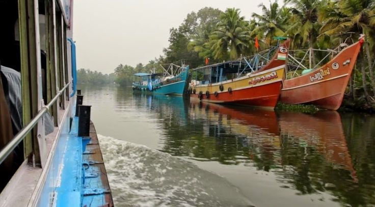 Kerala | Und Das Ist Erst Der Anfang #reiseblog #backpacking #indien #kerala  #günstigreisen #UndDasIstErstDerAnfang  #boot #fähre #schiffe