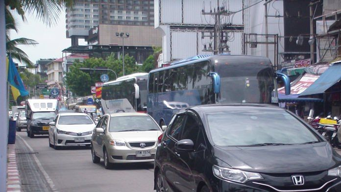 District chief: Ban tour buses from Pattaya