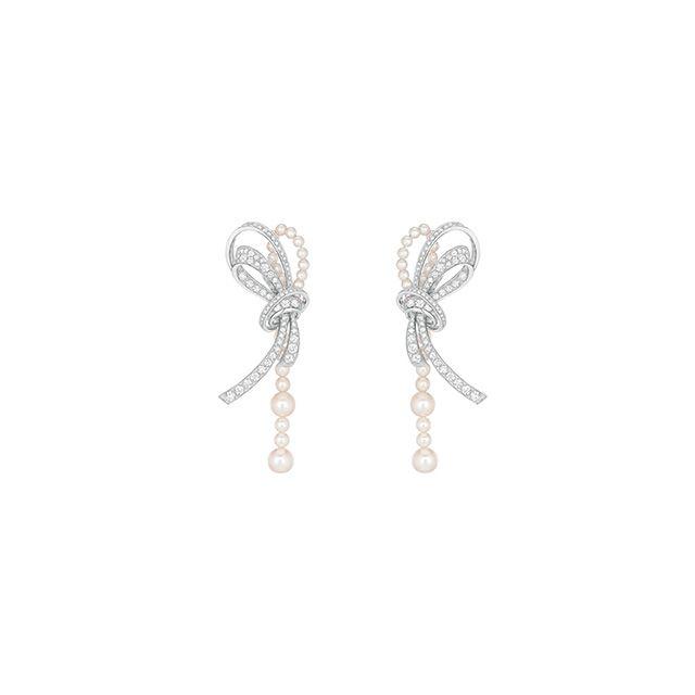 """""""Les Perles de Chanel"""""""