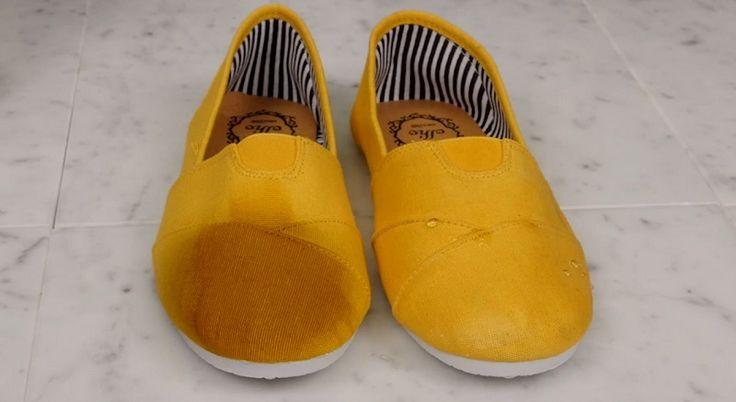 Прочная и непромокаемая обувь за 2 минуты/ Зимой торжествует непогода. Нет ничего хуже, чем тащиться домой сквозь снег и слякоть с холодными и мокрыми ногами… Делимся с тобой отличным способом сделать свою обувь намного прочнее и защитить ее о…