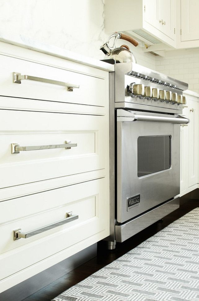 kitchen range ideas kitchen range the homeowner likes to cook so the kitchen is handles for kitchen cabinetsinset - Long Kitchen Cabinet Handles