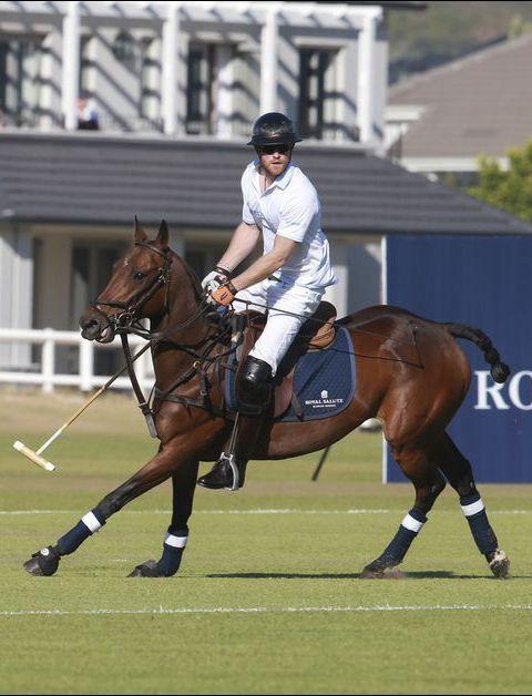 Prince Harry en Afrique du Sud: polo, foot, rugby…, un début de séjour très sportif