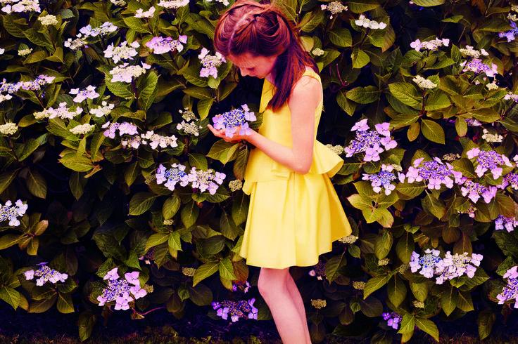 En amarillo #moda #estilo